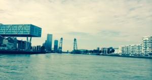 15-08-25-View Waterbus Rotterdam
